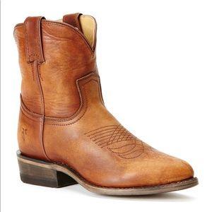 🌼Frye Billy Distressed Short Cowboy Boot Sz. 8🌼
